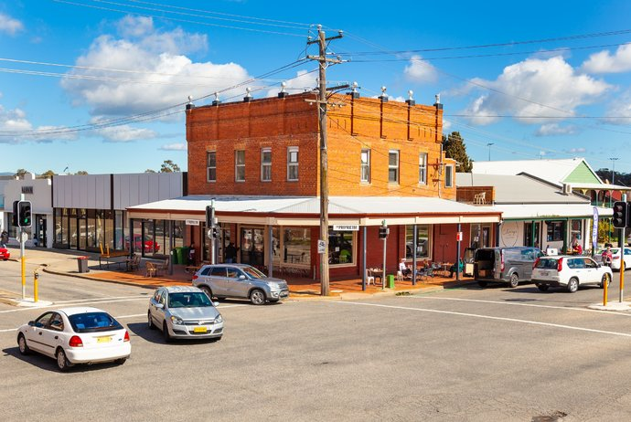 Albury's Proprietor and Clancy's Food Store building sold, Jason McPhail buys another High Street, Wodonga property